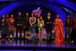 Sonali Bendre, Sajid Khan, Kiron Kher on the sets of India_s Got Talent to annouce finalists in Film City on 25th Sept 2010 (12).JPG