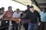 John Travolta left India and went to Moscow in Mumbai International Airport on 28th Sept 2010 (18).JPG