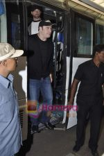 John Travolta left India and went to Moscow in Mumbai International Airport on 28th Sept 2010 (9).JPG