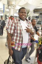 Sean Kingston come to India for a live gig at Hard Rock Cafe and record a song with Indian music director Aadesh Shrivastava on 28th Sept 2010 (3).JPG