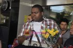 Sean Kingston come to India for a live gig at Hard Rock Cafe and record a song with Indian music director Aadesh Shrivastava on 28th Sept 2010 (42).JPG