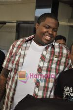 Sean Kingston come to India for a live gig at Hard Rock Cafe and record a song with Indian music director Aadesh Shrivastava on 28th Sept 2010 (46).JPG