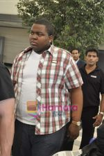 Sean Kingston come to India for a live gig at Hard Rock Cafe and record a song with Indian music director Aadesh Shrivastava on 28th Sept 2010 (52).JPG