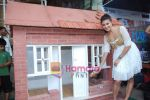Jacqueline Fernandez promotes Habitat for Humanity cause in Phoenix Mills on 3rd Oct 2010 (26).JPG