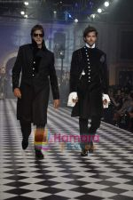 Amitabh Bachchan, Hrithik Roshan walks the ramp for Karan Johar and Varun Bahl_s show on Day 2 of HDIL on 7th Oct 2010 (12).JPG
