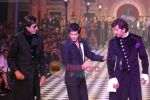 Amitabh Bachchan, Shahrukh Khan, Hrithik Roshan walks the ramp for Karan Johar and Varun Bahl_s show on Day 2 of HDIL on 7th Oct 2010 (5).JPG