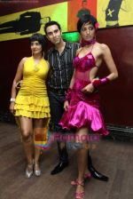 Kitu Gidwani, Sandip Soparkar, Jesse Randhawa at Sandip Soparrkar_s International Dance day in Enigma on 8th Oct 2010 (2).JPG