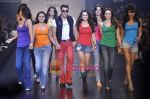 Sushmita Sen, Kareena Kapoor, Rani Mukherjee, Salman Khan, Preity Zinta, Karisma Kapoor, katrina Kaif, Bipasha Basu, Priyanka at Salman Khan_s Being Human show on Day 4 of HDIL on 9th Oct 201 (7).JPG