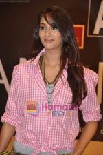 Amruta Patki at ANM and Nakshatra films fashion  show in Options on 13th Oct 2010 (28).JPG