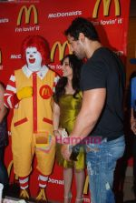 John Abraham and Pakhi at McDonalds to promote Jhootha Hi Sahi in Fun Republic on 14th Oct 2010 (41).JPG