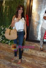 Queenie Dhody at Farah Ali Khan store launch in Turner Road, Bandra, Mumbai on 15th Oct 2010 (4).JPG