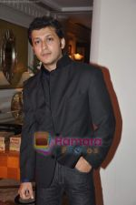 Arjun Punj at designer AD Singh_s wedding with Puneet Kaur in ITC Grand Maratha on 17th Oct 2010 (90).JPG