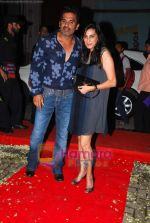 Sunil Shetty, Mana Shetty at Shailendra Singh_s bday bash in Lower Parel on 17th Oct 2010 (3).JPG