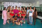 Kingfisher calendar girls at Talwalkars in Mumbai Central on 18th Oct 2010 (66).JPG