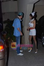Queenie Dhody at Hrithik Roshan_s Halloween Party in  Juhu Residence on 24th Oct 2010 (20).JPG