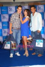 Dino Morea, Malaika Arora, Ritwik Bhattacharya at Gillete 30 Day Challenge event in Taj President on 27th Oct 2010 (5).JPG