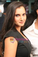 Sania Mirza at Mansoor Khan make-up lounge launch in Malad on 29th Oct 2010 (20).JPG