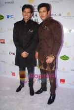 Ayaan and Amaan Ali Khan at Aamby Valley India Bridal week DAY 3-1 on 31st Oct 2010 (10).JPG