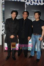 Ayaan and Amaan Ali Khan at Aamby Valley India Bridal week DAY 3-1 on 31st Oct 2010 (13).JPG