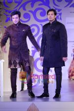 Ayaan and Amaan Ali walks the ramp for Shantanu Nikhil at Aamby Valley India Bridal week DAY 3 on 31st Oct 2010 (2).JPG