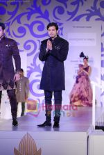 Ayaan and Amaan Ali walks the ramp for Shantanu Nikhil at Aamby Valley India Bridal week DAY 3 on 31st Oct 2010 (4).JPG