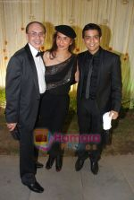 at Vivek and Priyanka Oberoi_s wedding reception in ITC Grand Maratha, Mumbai on 31st Oct 2010 (162).JPG