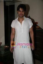 Yuvraaj Parashar at Kapil Sharma_s bday bash in Bandra on 7th Nov 2010 (4).JPG