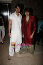 Yuvraaj Parashar, Kapil Sharma at Kapil Sharma_s bday bash in Bandra on 7th Nov 2010 (2).JPG