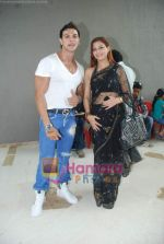 Saahil Khan invites his Facebook fans over for lunch at his home in Andheri on 14th Nov 2010 (18).JPG