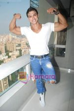 Saahil Khan invites his Facebook fans over for lunch at his home in Andheri on 14th Nov 2010 (47).JPG