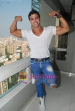 Saahil Khan invites his Facebook fans over for lunch at his home in Andheri on 14th Nov 2010 (48).JPG