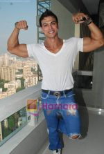 Saahil Khan invites his Facebook fans over for lunch at his home in Andheri on 14th Nov 2010 (49).JPG