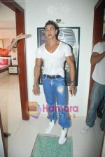 Saahil Khan invites his Facebook fans over for lunch at his home in Andheri on 14th Nov 2010 (54).JPG