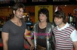 Kapil Sharma, Yuvraaj Parashar at the Premiere of Dunno Y Na Jaane Kyun...in PVR on 16th Nov 2010 (2).JPG
