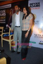 Sunil Shetty, Manna Shetty at Bryan Adams Live Concert Press Meet in Mumbai on 17th Nov 2010 (7).JPG