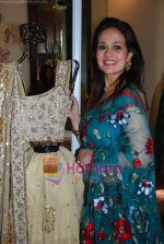 Aparna Tilak at Brides of Mumbai exhibition by designer Sarika Desai in Mumbai on 19th Nov 2010 (8).JPG