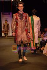 Model walk the ramp for Vikram Phadnis Show at The ABIL Pune Fashion Week Day 2 on 19th Nov 2010 (94).JPG