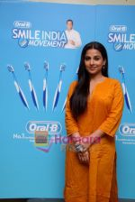 Vidya Balan at the Launch of Oral-B Smile India Movement in Mumbai on 6th Dec 2010 (2).JPG