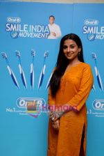 Vidya Balan at the Launch of Oral-B Smile India Movement in Mumbai on 6th Dec 2010 (3).JPG