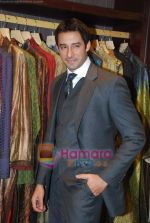 Zulfi Syed at MM Men Store launch in Juhu, Mumbai on 6th Dec 2010 (12).JPG
