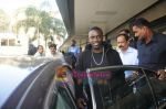 Akon Arrives in Mumbai to record for Ra.One in Mumbai Airport on 7th Dec 2010 (12).jpg