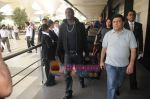 Akon Arrives in Mumbai to record for Ra.One in Mumbai Airport on 7th Dec 2010.jpg