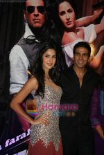 Akshay Kumar, Katrina Kaif at Tees Maar Khan charity screening in Metro on 23rd Dec 2010 (38).JPG