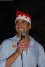 Akshay Kumar spend christmas with children of St Catherines in Andheri on 25th Dec 2010 (3).JPG