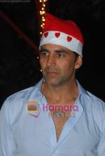 Akshay Kumar spend christmas with children of St Catherines in Andheri on 25th Dec 2010 (4).JPG
