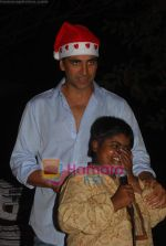Akshay Kumar spend christmas with children of St Catherines in Andheri on 25th Dec 2010 (5).JPG