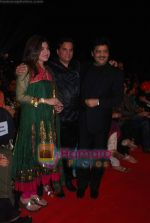 Alka Yagnik, Jatin Pandit, Udit Narayan at SA RE GA MA PA finals in Andheri Sports Complex on 26th Dec 2010.JPG