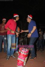 Sajid Khan, Ritesh Deshmukh spend christmas with children of St Catherines in Andheri on 25th Dec 2010 (2).JPG