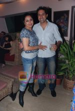 at Painter Soketu Parikh_s glam bash in Juhu on 26th Dec 2010 (19).JPG