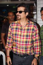Anil Kapoor unveils 24 Season 8 on DVD at PLANET M on 27th Dec 2010 (2).jpg